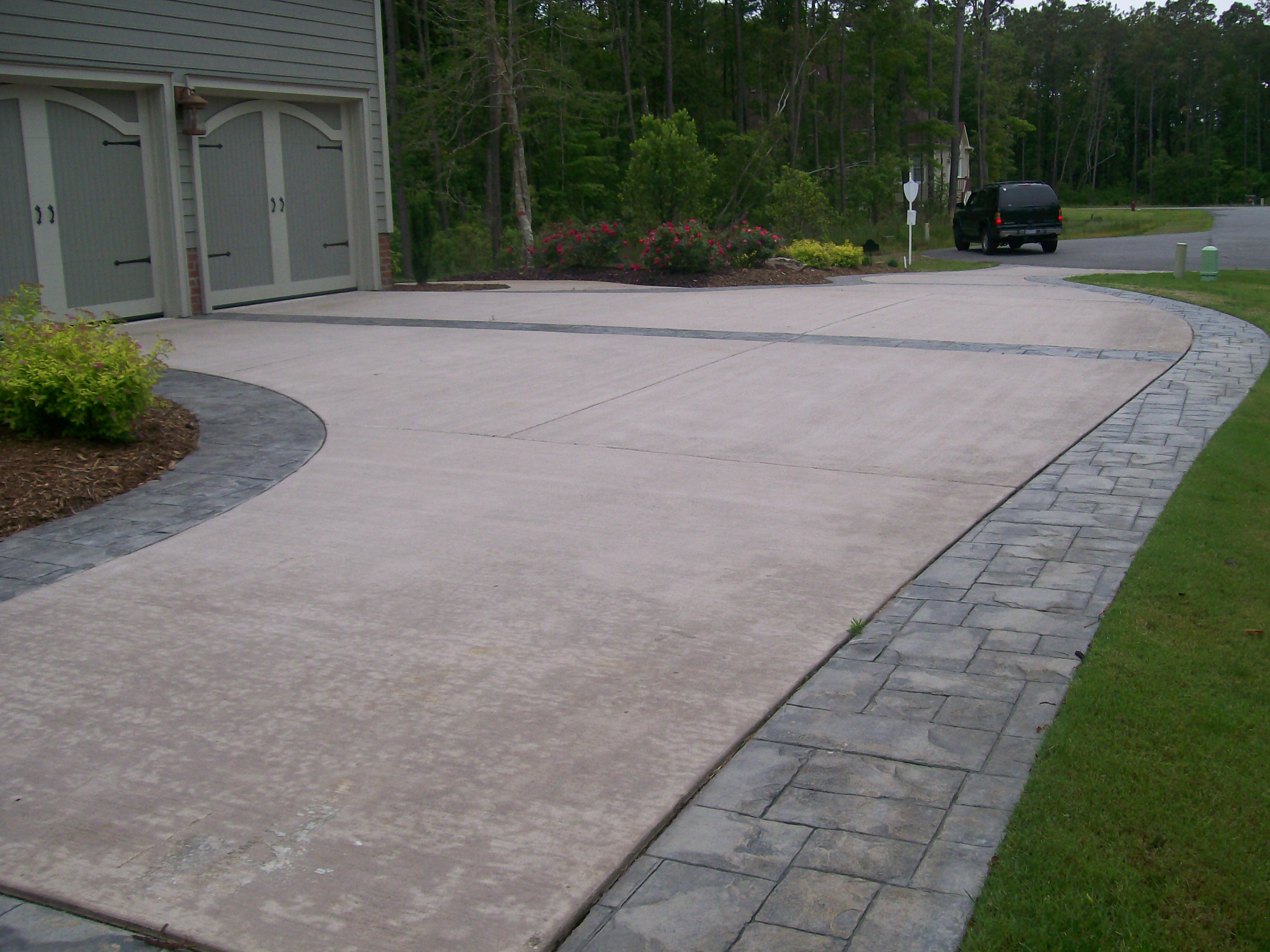 Stamped Concrete Driveways : Concrete stamped border driveway with broom finish interior