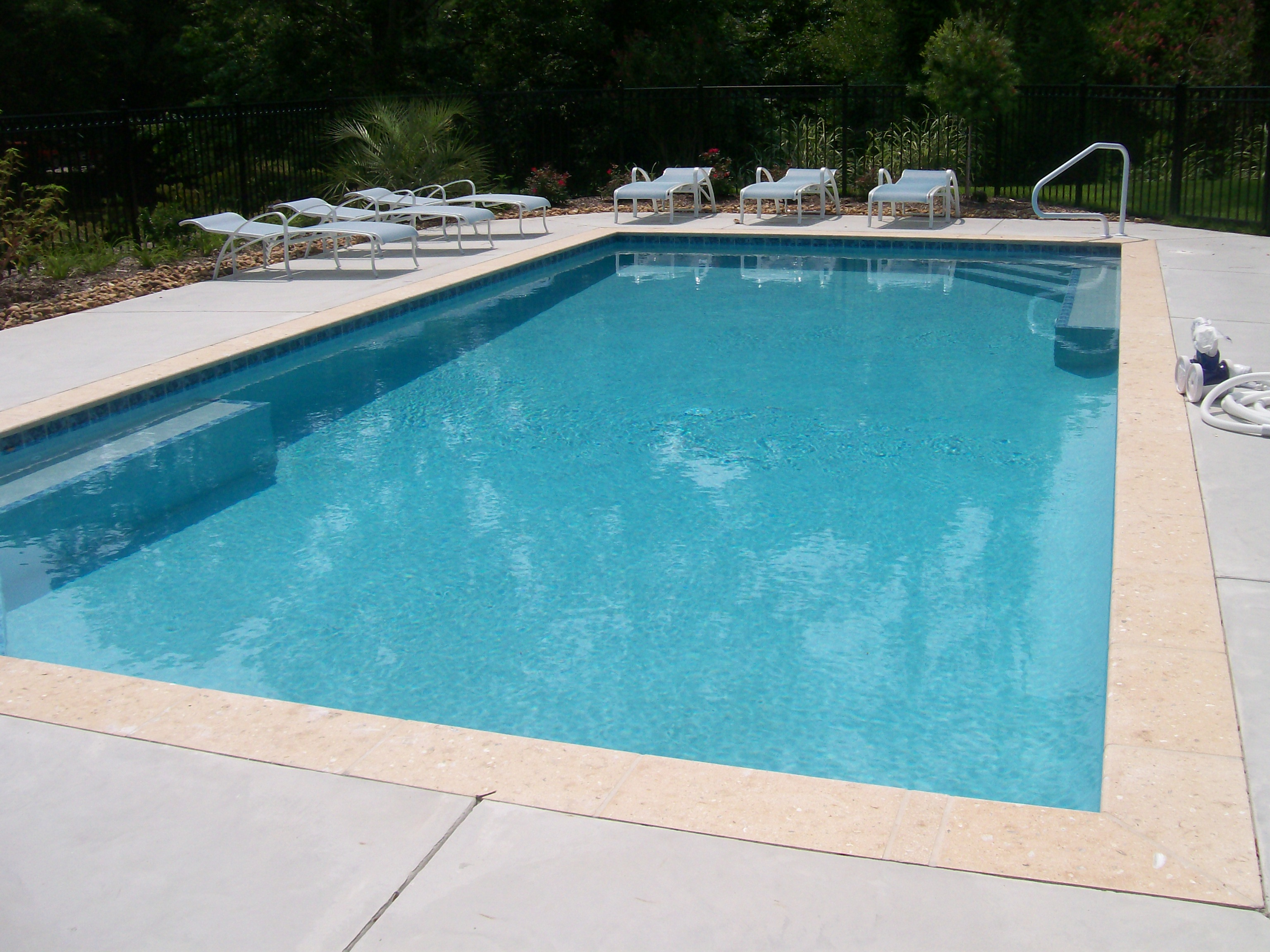 Swimming Pool Cement : Stamped border concrete pool deck