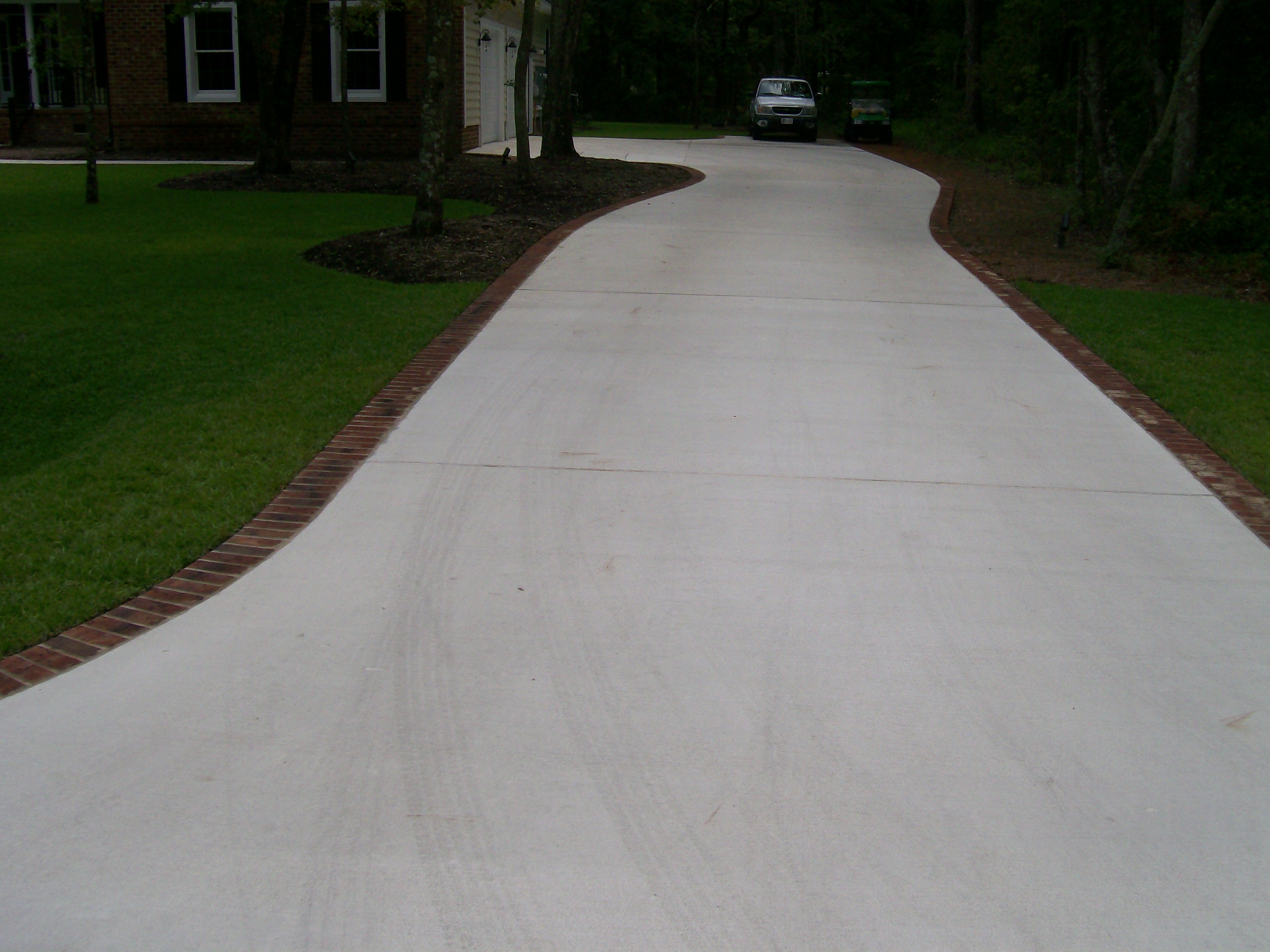 Broom Finish Paver Border Driveway And Sidewalks